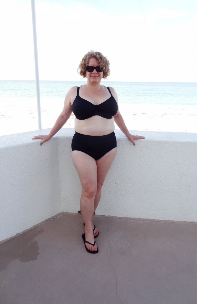 36GG bikini by the beach