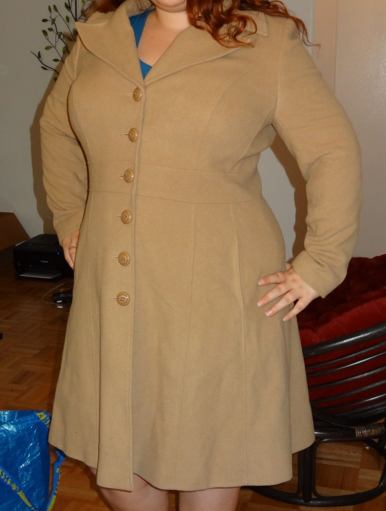 big bust reader in Pepperberry coat