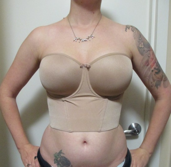 I don't normally include photos of myself in bras, but there's so little skin here that I'm making an exception. I just don't think you can get the full impression without a photo. The 32 stopped a little higher on my torso than the 34, which ends at exactly my natural waist, and even looks like it's digging in just a tiny bit. Since I have a very long torso, I guess I wouldn't recommend this garment to petite or short-waisted ladies. You can also see that the cups (as usual) are a little shallow at the base for me. But the wires are surprisingly good on my narrow roots, so it's no big deal.