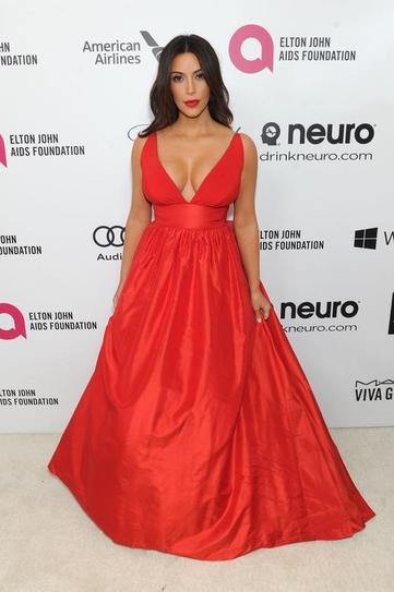kim kardashian oscars after party plunging neckline