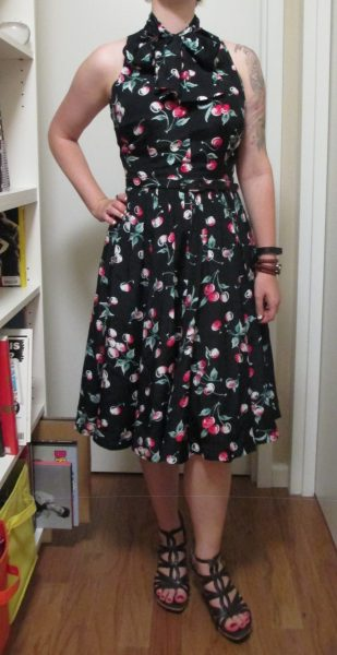 Full view of the bow and belt. As you can see, in such dark fabric they both basically disappear into the dress.