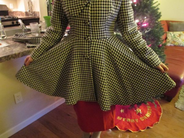 Fun, full skirt! I also appreciate that there's a button on the lower side of the waist seam. The old peacoat (again) only had buttons across the bust, so it would fly open with a big gust of wind. That's not an issue here.
