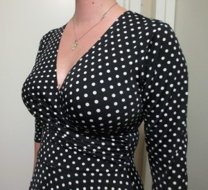 "I think the pattern helps keep from giving off the ""boob bifurcation"" look that some ladies don't like."