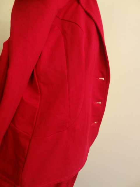 urkye red jacket side detail