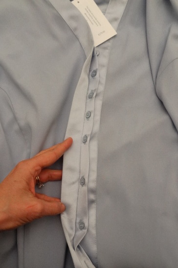 more front room hidden placket extra buttons