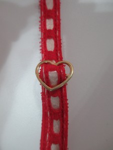 Love that they use their signature heart-shaped adjusters on the garters too.