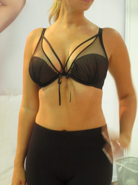 Finally, we have this surprisingly well-fitting sexy little number. Charmeuse only comes up to European E cups, but I was told this model is a 34F and it still works for her! I was really impressed by the lift she's getting from such a dainty bra in a technically too-small cup. Plus, Passionata told me they'll be adding F-cups with the next manufacturing run in March 2017.