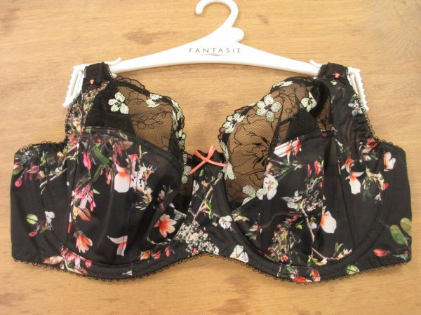 Kimberly features a gorgeous photorealistic floral print. (Starts at 30 and goes up to J-cups)