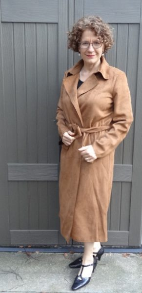 bust-friendly-coat-camel-front
