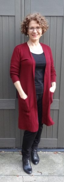 big-bust-cardi-cranberry-duster-pockets