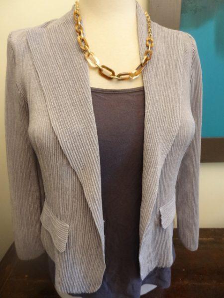 big-bust-friendly-crinkle-pleat-blazer