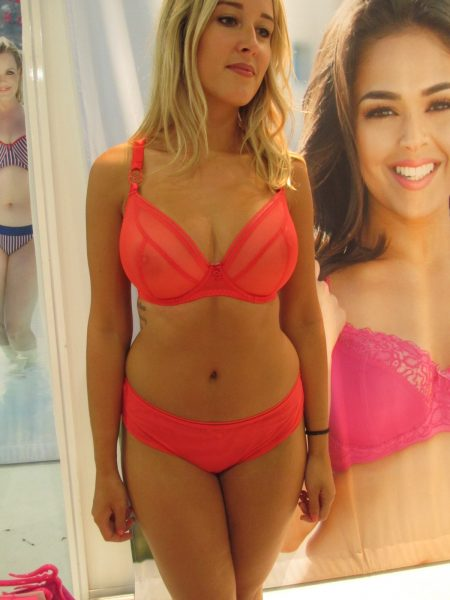 I'm drawn to neons like a moth to flame. This searing red Lifestyle bra calls to me.